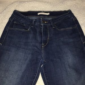 Levi's Size  6 midrise skinny jeans